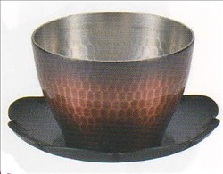 [新光金属株式会社] No.174870 / 純銅赤胴仕上げ 手打ち槌目冷茶グラス(受皿付)
