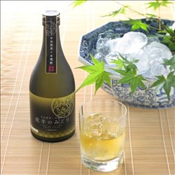 [Alcohol] No.175804 / Uji Sencha * Rice shochu (green in the middle of the night) 500 ml